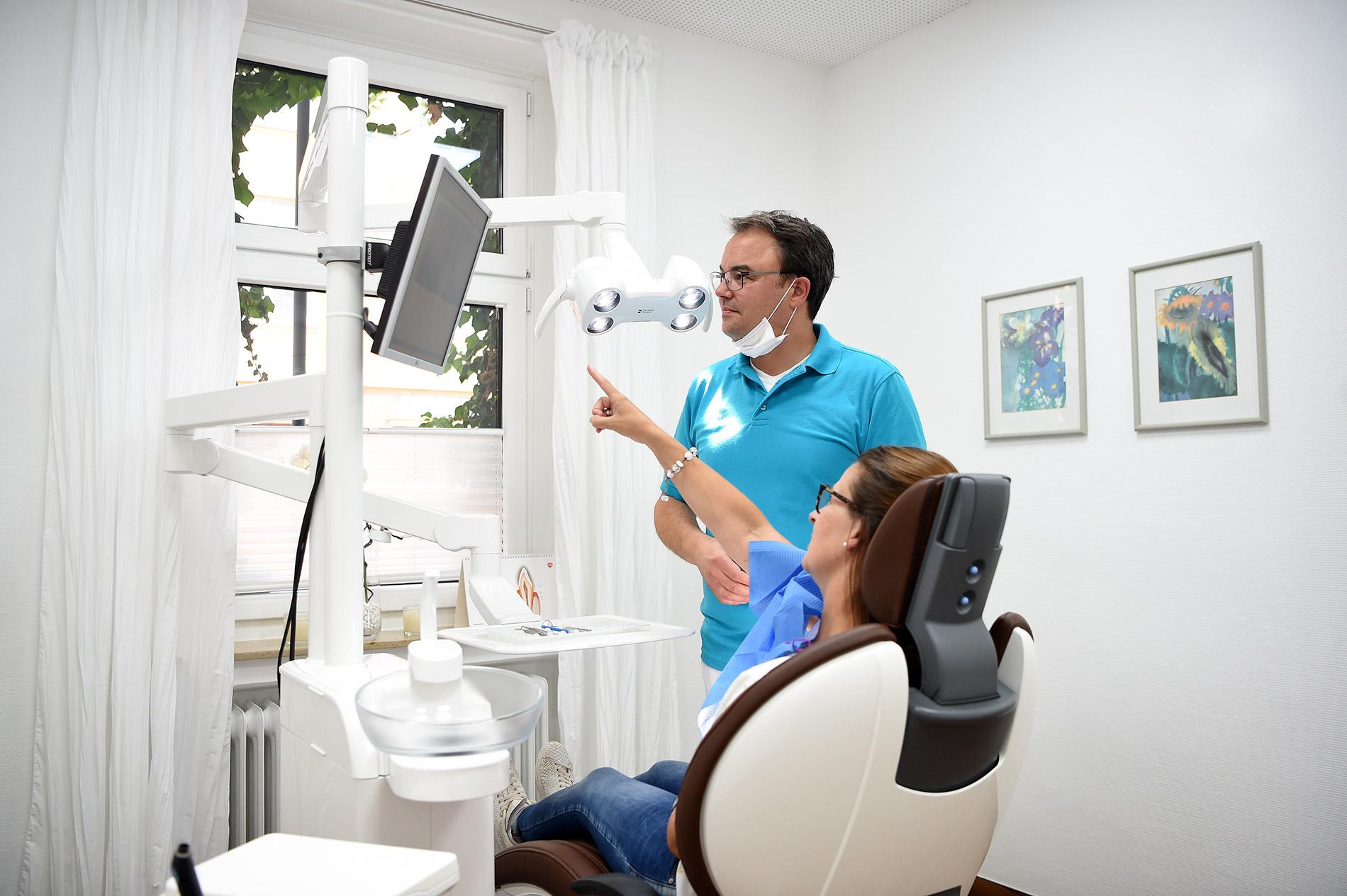 Dr. Rehberg - Patientin mit Doktor